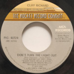 Cliff Richard - Don't Turn The Light Out